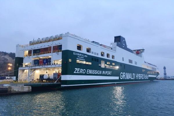 El Puerto de Barcelona recibe la escala inaugural del buque Eco Barcelona