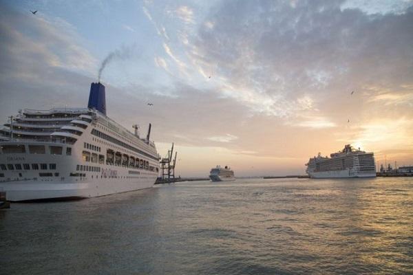 El Puerto de Cádiz progresa en el suministro eléctrico a cruceros