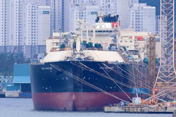 MOL añade a su flota nuevo buque para el movimiento de GNL