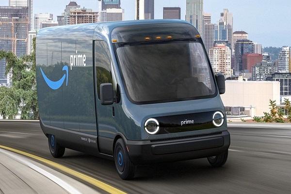 Amazon empieza a utilizar sus furgonetas eléctricas Rivian
