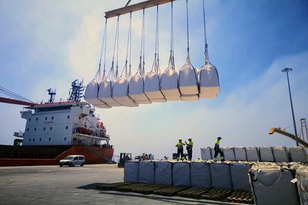 El Puerto de Almería aumenta 57% tráfico de graneles sólidos en febrero