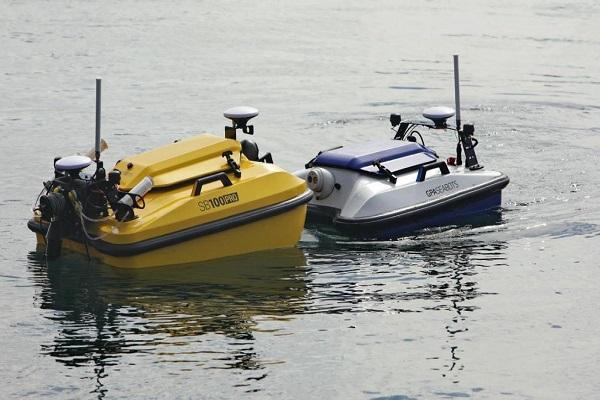 El Puerto de Barcelona realiza la prueba piloto de un dron acuático