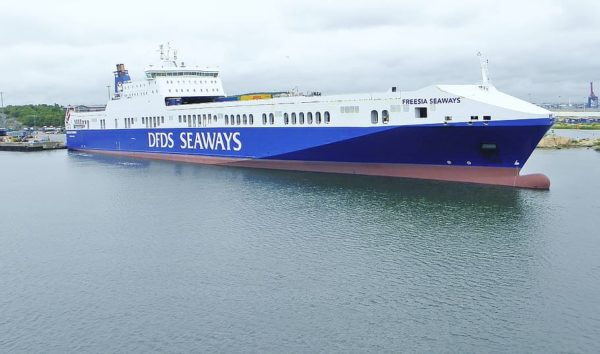 DFDS carguero