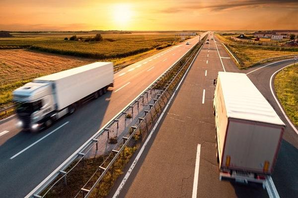 DGT restricciones transporte puente de mayo