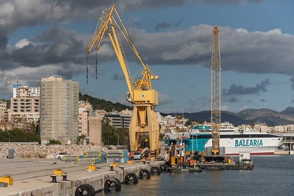 El Puerto La Palma otorga la construcción de nuevos atraques para ferries