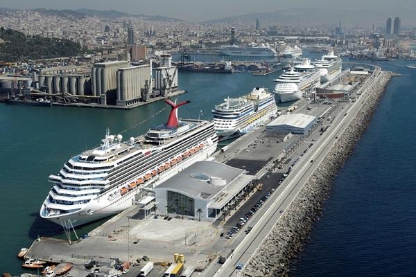 El Puerto de Barcelona quiere activar el tráfico de cruceros en junio