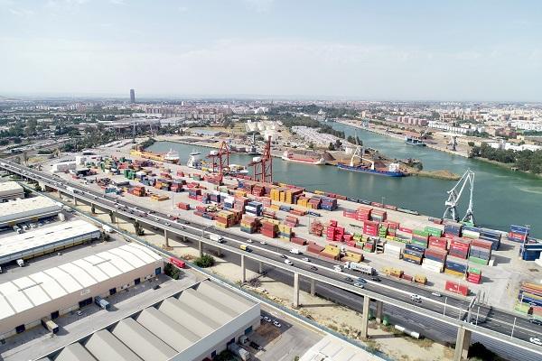 El Puerto de Sevilla mejora la sostenibilidad en la operativa de contenedores