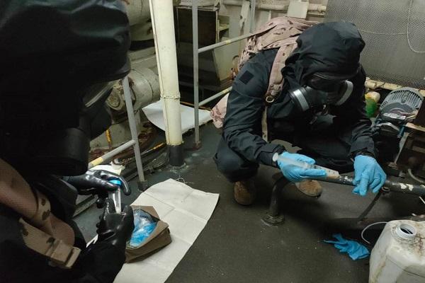 El Puerto de Valencia acoge la descontaminación química de la Armada
