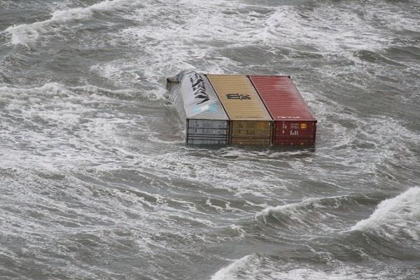 Nuevas medidas para controlar la pérdida de contenedores en el mar
