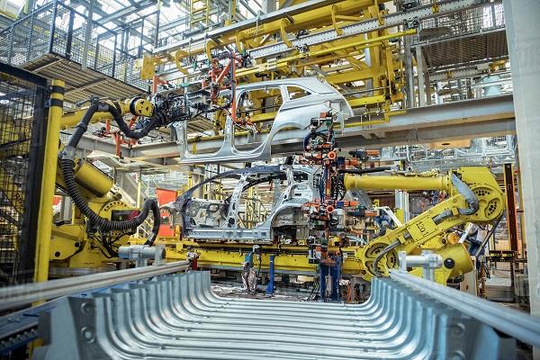 escasez microchips producción vehículos comerciales España