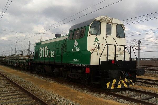 Adif abre convocatoria para el mantenimiento de las locomotoras en terminales