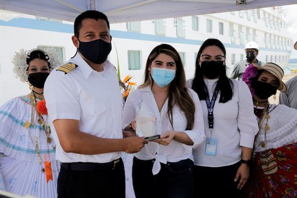 """Buque """"Star Breeze"""" inaugura la temporada de cruceros en Panamá"""