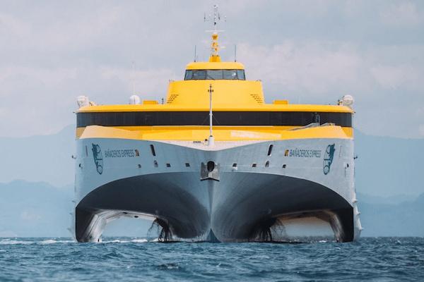 El nuevo fast ferry de Fred. Olsen empieza a operar entre Tenerife y Gran Canaria
