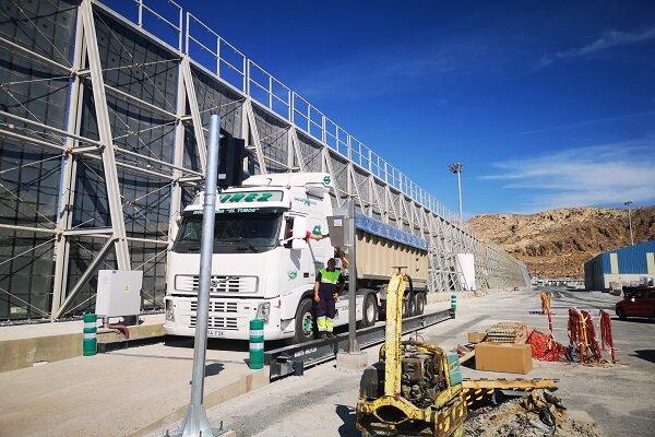 El Puerto de Almería dispone de una nueva báscula para camiones
