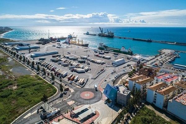 El Puerto de Motril aumenta un 45% el tráfico de mercancías en julio