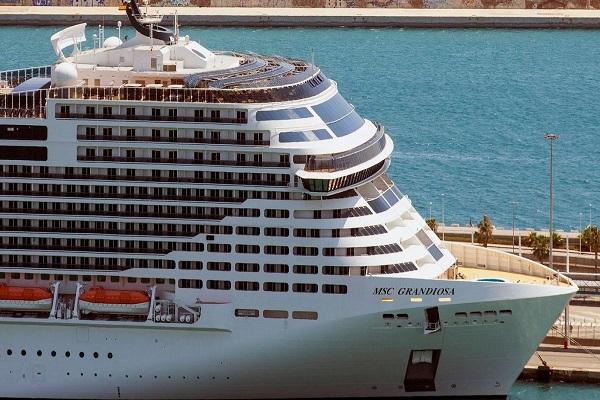 Los grandes cruceros vuelven a Barcelona pero la cifra de pasajeros no remonta