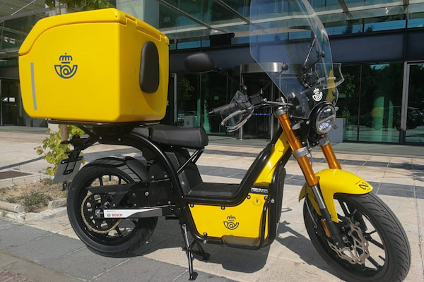 Correos incorporará a su flota 400 motocicletas eléctricas