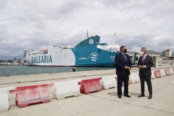 El Puerto de Motril gestiona 54 operaciones de suministro de GNL a buque