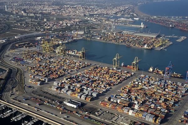 El Puerto de Valencia avanza en el estudio de su impacto económico
