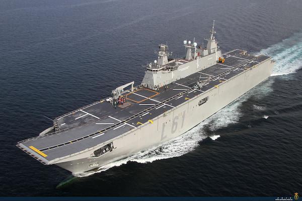El buque Juan Carlos I y la fragata Reina Sofía de la Armada Española hacen escala en el Puerto de Málaga