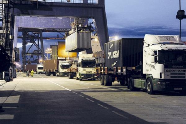 El tren ahorra el tránsito de 160.000 camiones en el trayecto Valencia-Madrid