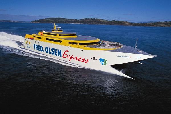 Fred Olsen apuesta por el Puerto de Playa Blanca para sus servicios en Lanzarote