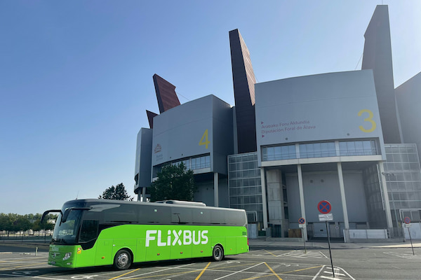 Grupo Interbus renueva su flota FlixBus con autobuses Tourismo 16 RHD2 Mercedes-Benz