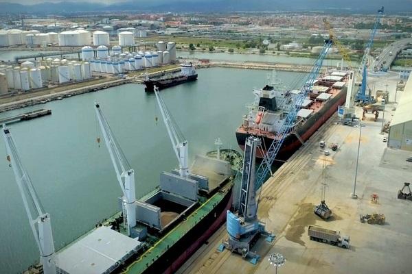La congestión portuaria afecta al 16% de la flota mundial de graneleros