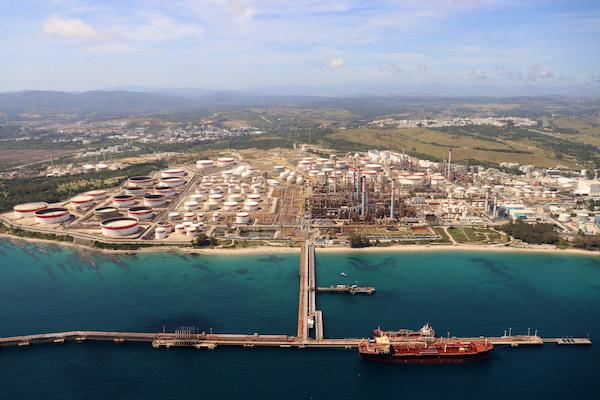 Los graneles líquidos impulsan la actividad del Puerto de Algeciras este verano