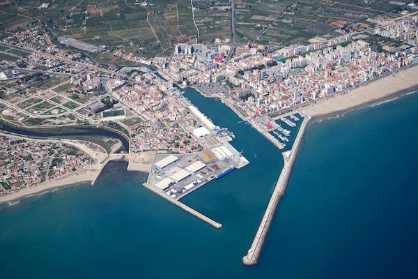 Valenciaport promueve el turismo pesquero y el reciclaje de basuras marinas en Gandía