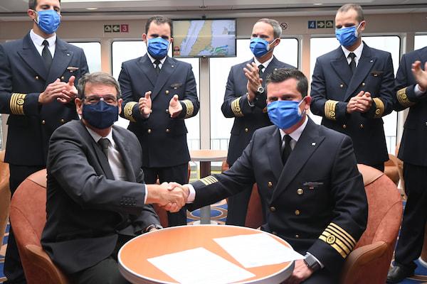 El nuevo trimarán de Fred. Olsen Express partirá desde Filipinas hacia Canarias en los próximos días
