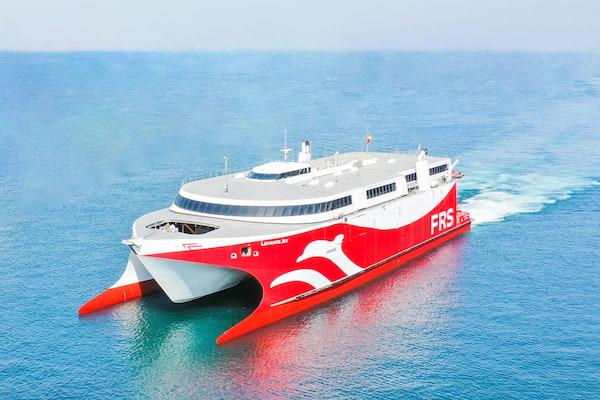 El nuevo fasta ferry 'Levante Jet' de FRS Iberia inicia la ruta Ceuta-Algeciras