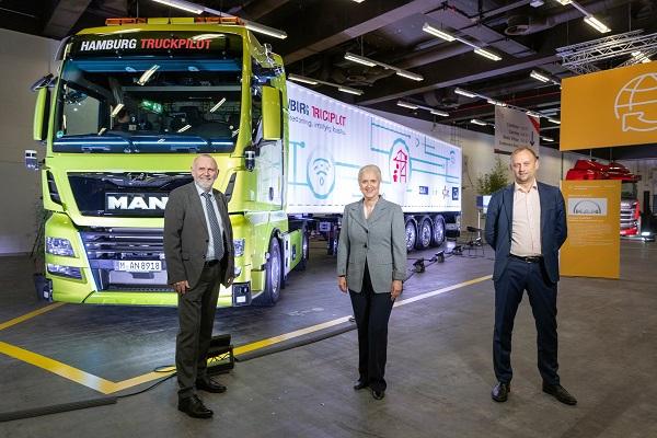 MAN Truck & Bus camión autónomo portuario